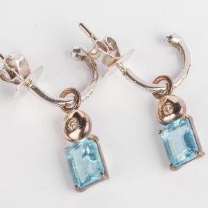 Jewelry Earrings Half Creolla with Brills W B Topaz