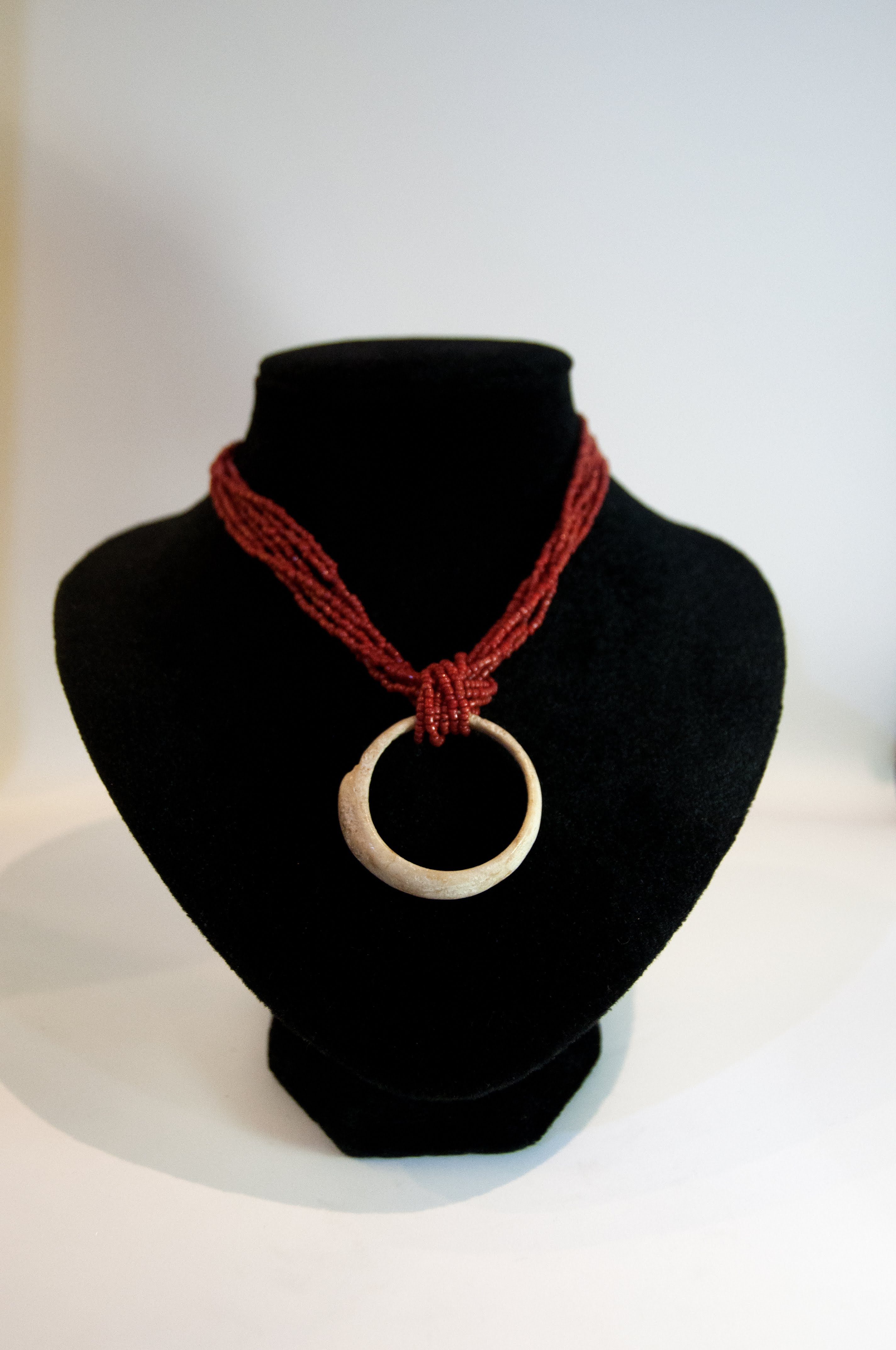 Jewelry Necklace Choker Shell Fossil Pendant w Red Coral Beads 15D